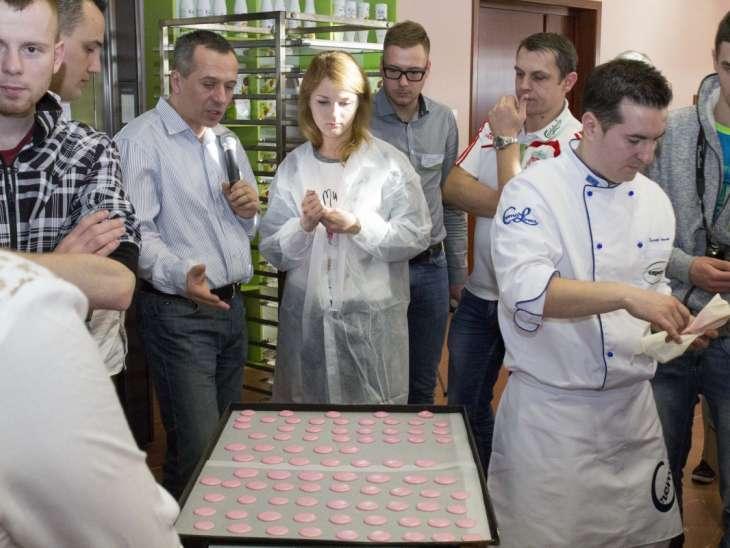Cerere mare de personal în bucătăriile din Sibiu. Angajări pe bandă