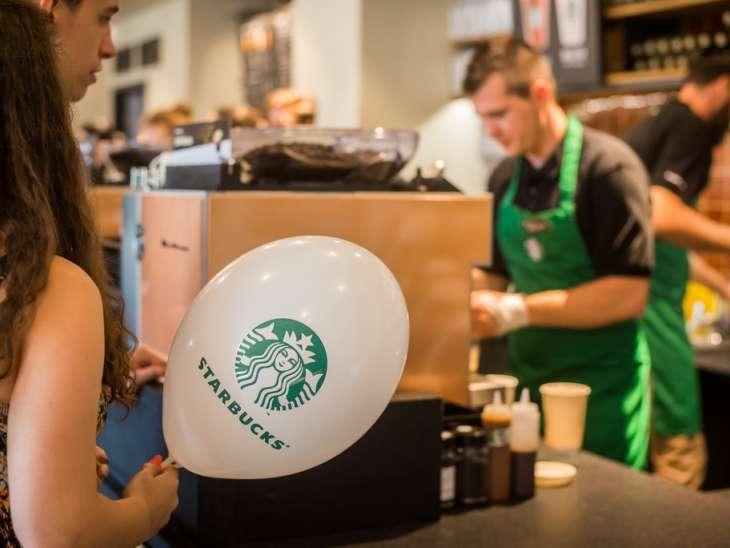 Peste 1300 de joburi vacante. Starbucks face angajări în Sibiu