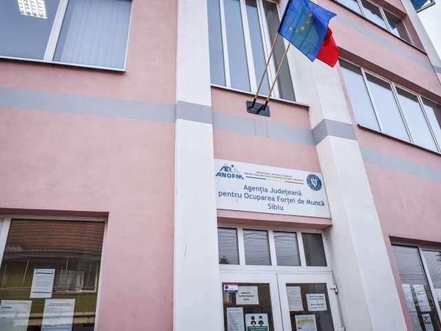 Doar 325 de locuri de muncă disponibile în județul Sibiu
