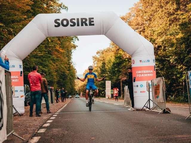 """Primul sibian calificat într-un Campionat Mondial de Ciclism pe șosea: """"Sunt pe bicicletă de când mă știu"""""""